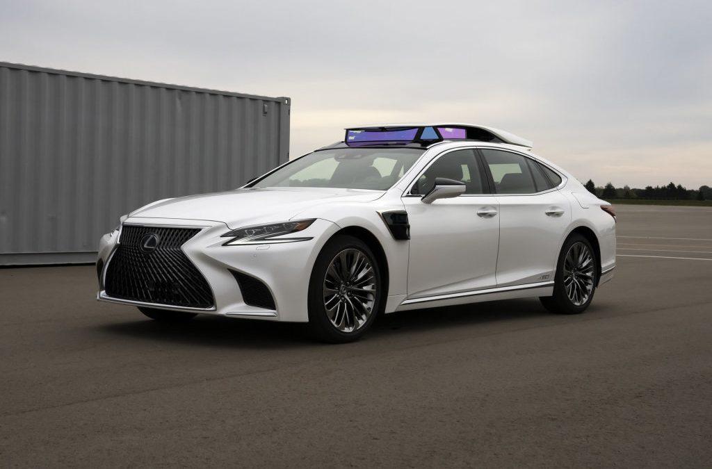 Toyota demonstreert zelfrijdende auto