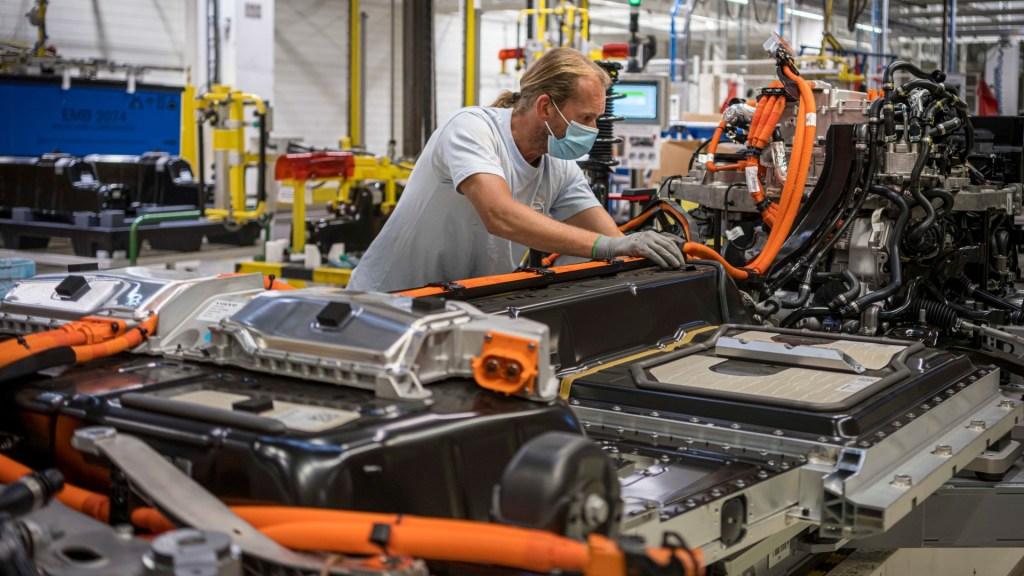 Volvo voert productie elektrische auto's op